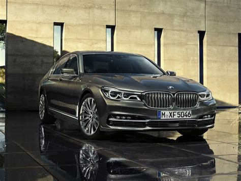 luxury bmw 7 series bmw s 7 series luxury sedan is packed with gadgets