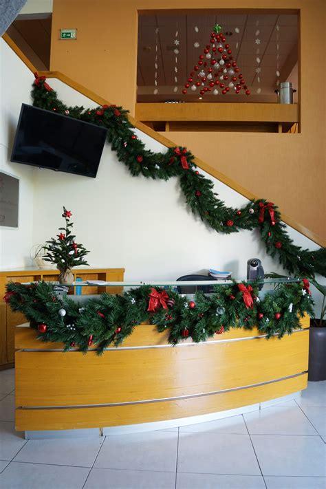 decoracion navidad oficina ideas navide 241 as para decorar oficina