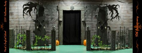 halloween themes for haunted house halloween decorations for school party party time blog