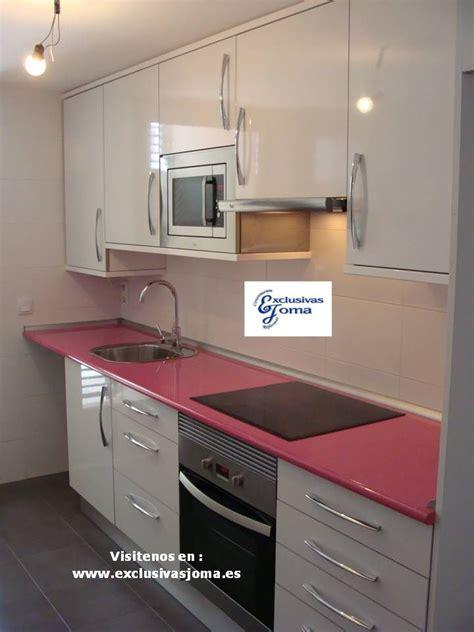 encimeras de formica muebles de cocina a medida en color blanco alto brillo con