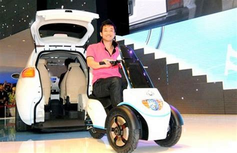 geely mccar    electric scooter  people  hate walking