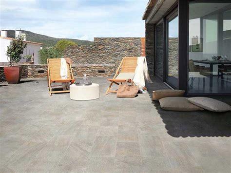 pavimenti per cortili esterni pavimenti per esterni guida alla scelta dei materiali