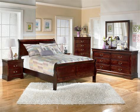 full size sleigh bedroom sets alisdair sleigh bedroom set in dark brown