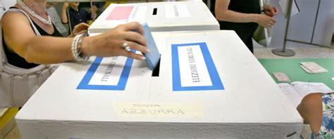 votazioni alla elezioni comunali bologna sfida tra il sindaco uscente ed
