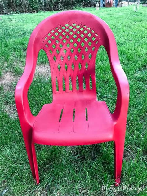 Best Spray Paint For Plastic Chairs - how to spray paint plastic chairs an easy makeover