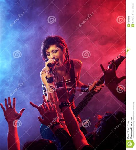 what rock star is in the direct tv ads who is the singer guitar player in the 2016 direct tv rock
