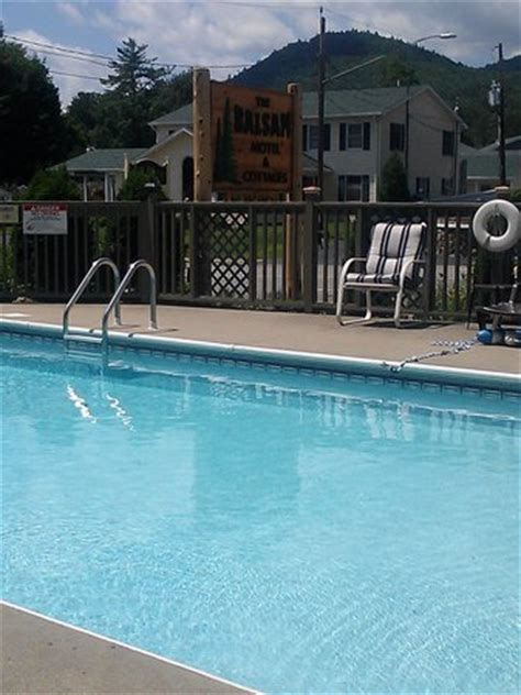 The Balsam Motel Cottages by Pool Picture Of The Balsam Motel Cottages Lake George Tripadvisor