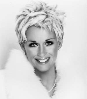 lorrie morgan hairsyyles 1000 images about ladies of country music on pinterest