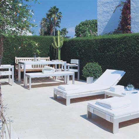 decorar jardines en blanco elige tu suelo de exterior nuevo estilo