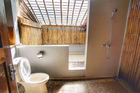 Tempat Duduk Shower Kamar Mandi review villa monyet batu karas tempat bersantai di tepi pantai