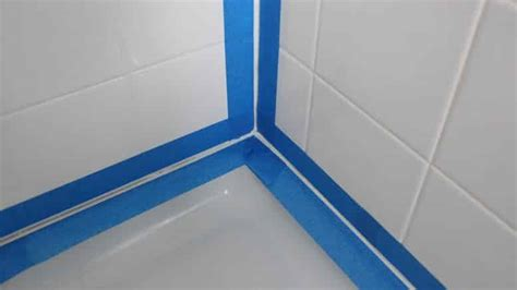 Superbe Retirer Joint Silicone Salle De Bain #1: joint-silicone-baignoire-777x437.jpg