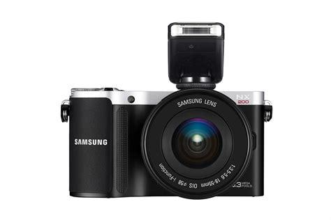 Kamera Samsung Nx200 samsung nx200 kamera bald im zweifarbigen retro look