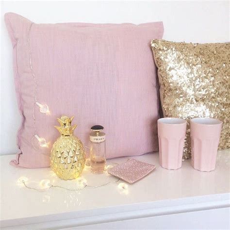 Design My Bedroom gold decor pillows girly pink room cute interior
