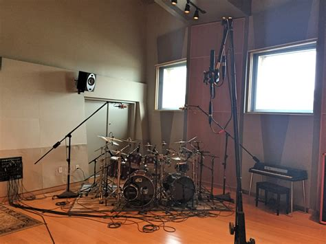 best room mics for drums how to mic drums for recording part 3 microphones insync sweetwater