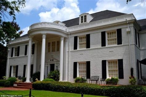 sorority houses university of alabama phi mu chapter unveils its brand new 13million house daily