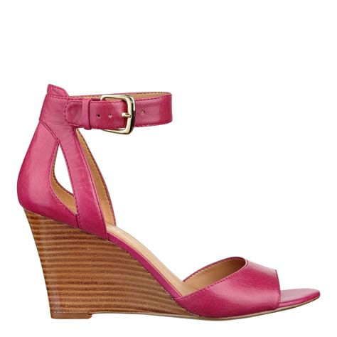 nine west floyd sandal in pink pink leather lyst