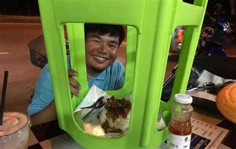 Lemari Plastik Exo Unik Warung Pinggir Jalan Ini Sajikan Makanan Pakai