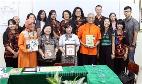 membuat artikel kenakalan remaja dirut pos indonesia serahkan hadiah juara menulis artikel