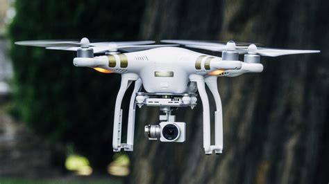Drone Phantom 3 Malaysia dji phantom 3 4k review rating pcmag