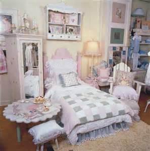 Old Fashioned Bedroom Ideas Girlhood Charm Toddler Bedroom Decorating Idea Toddler