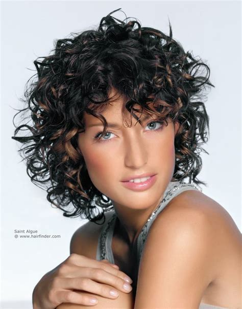 short hair layered and curls up in back what to do with the sides best 25 layered curly hairstyles ideas on pinterest