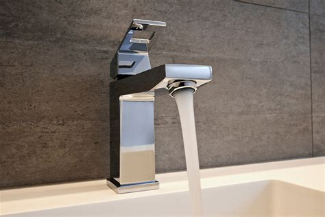 how to replace a faucet in your seattle home greenwood