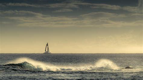catamaran definition en francais sailing boat in the distance hd desktop wallpaper