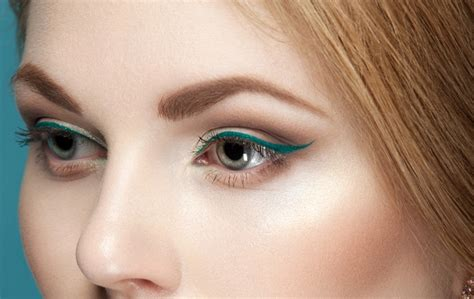 colorful eyeliner how to apply dramatic colorful eyeliner flawlessend