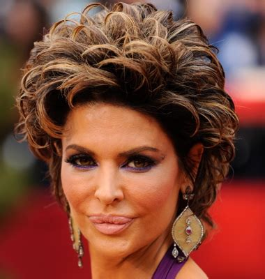 does lisa rinna wear a wig is lisa rinna wraring a wig does lisa rinna wear wigs does