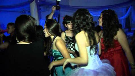 la fiesta de la 8415207816 baile en la fiesta de 15 a 209 os de eliana youtube