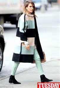 jessica alba wears the same colour block coat four days in