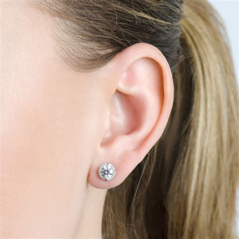 Ear Stud stud earrings on ear diamondstud