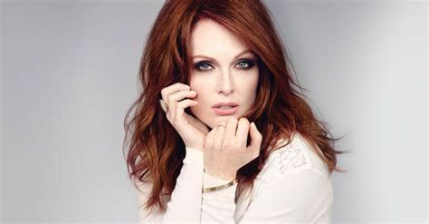 what is julieanne moores real hair color julianne moore s 13 beauty essentials celebrity