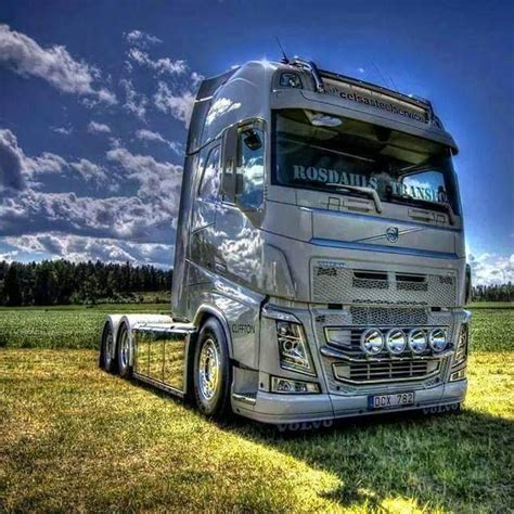 volvo trucks facebook https www facebook com youtruckme truck on the road