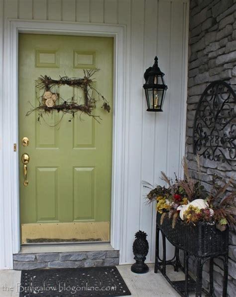 Front Door Statues Fall Decorating Paperandlacecrafts