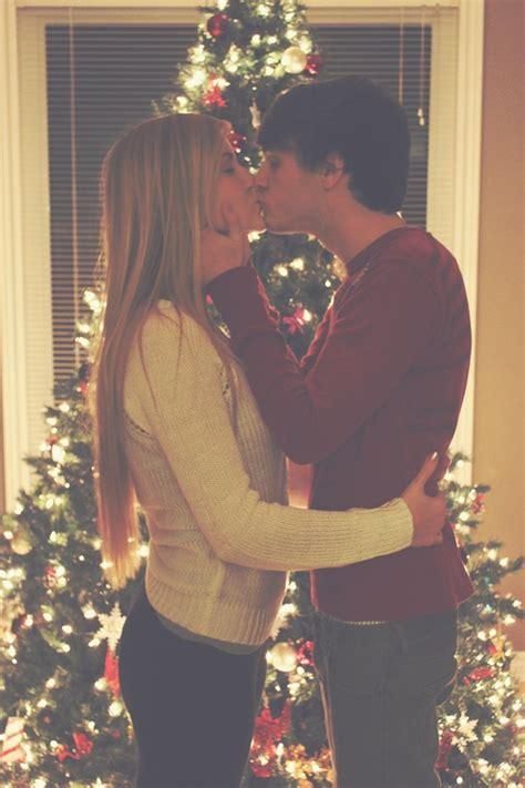 christmas kiss wallpaper kiss me under the mistletoe