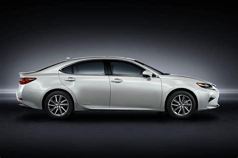 Lexus ES300h Reviews: Research New & Used Models   Motor Trend