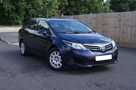 toyota avensis estate 2013 2013 13 toyota avensis estate 2 0 d4d active fowlers