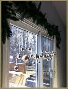 Front Windows Decorating 25 Best Ideas About Window Decorations On Window Decorating