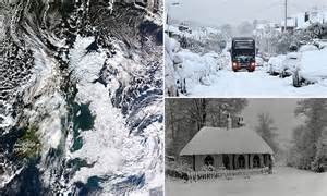 UK weather forecasters warn on cold winter in powerful El
