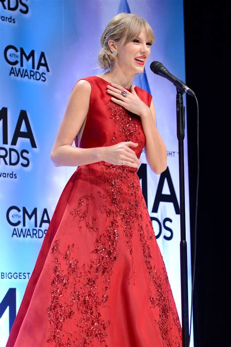 country music events in nashville 2013 taylor swift country music association awards 2013 14