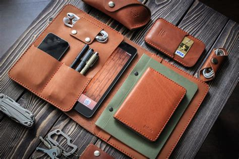 Handphone Casecover Handmade insidegift leather goods the coolector