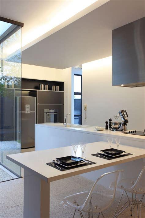 innovative om house design by studio guilherme torres