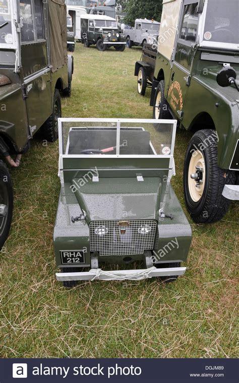 Topi Land Rover Series One Club replica landrover series 1 model amongst land rover series