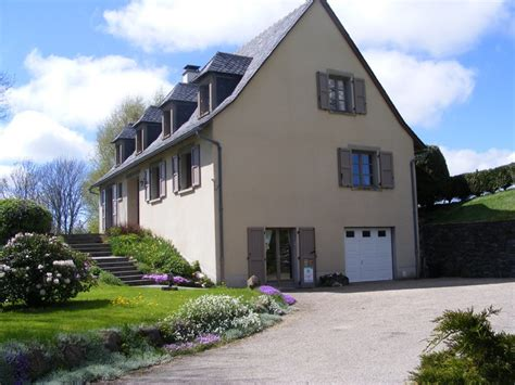 Chambres D Hotes A Salers Dans Le Cantal by Location De Vacances Chambre D H 244 Tes Salers Dans Cantal