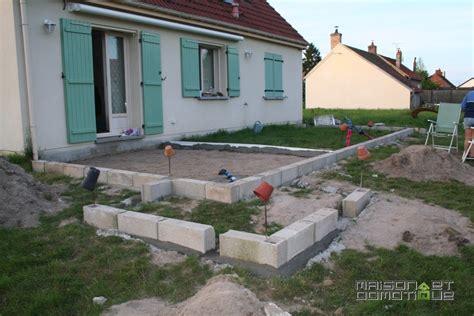 Terrasse 40m2 by Les Travaux De La Terrasse Se Poursuivent Maison Et