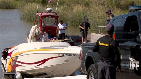 boat crash update colorado river 4 missing as boats collide on colorado river video abc news