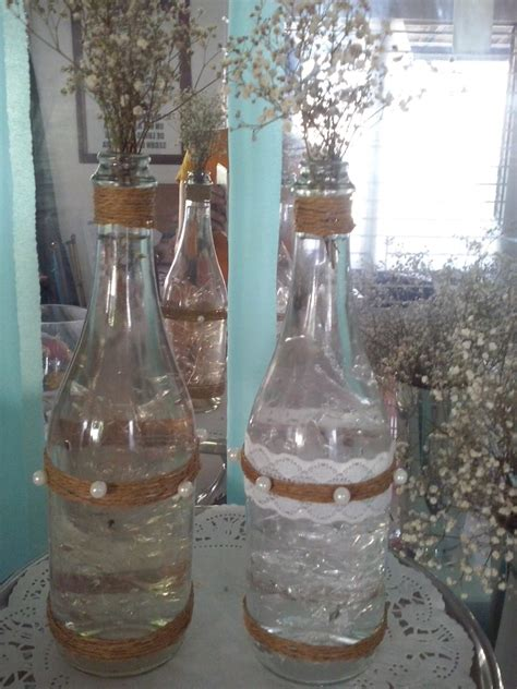 decorar botellas de vidrio vintage botellas de vidrios decoradas bodas decoracion vintage