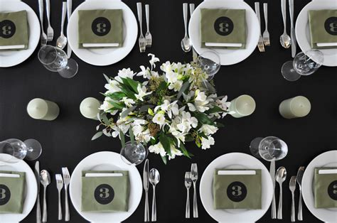 black and white table setting twig thistle 187 diy table number napkins