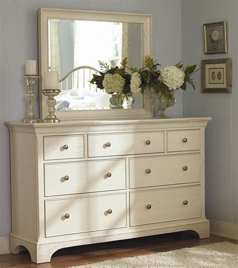 Dresser Decor Ideas by Bedroom Dresser Decorating Ideas Diy Better Homes